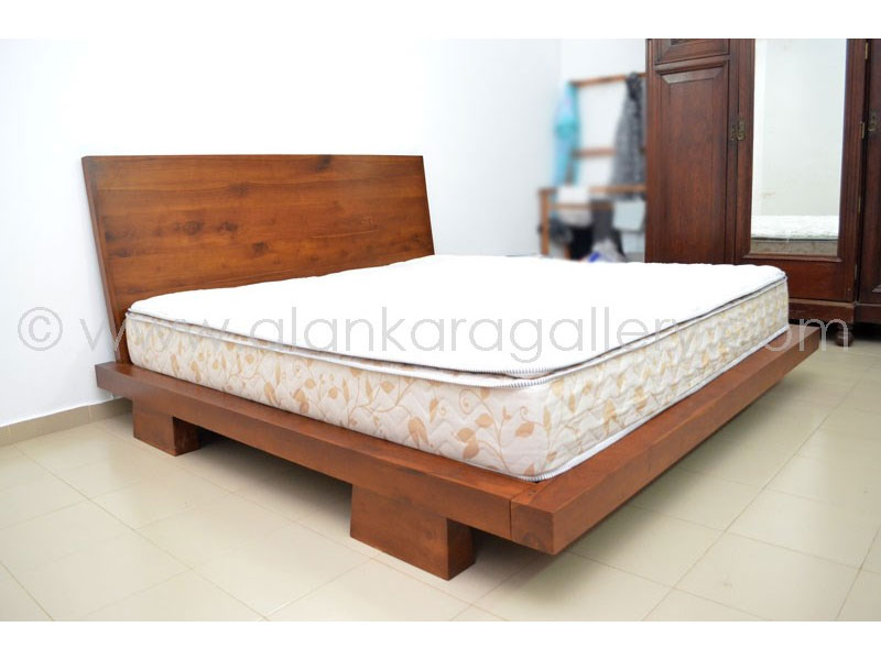Teak mahogany beds alankara gallery moratuwa for Bedroom designs sri lanka